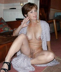 Hot cougar in amazing amateur picture.