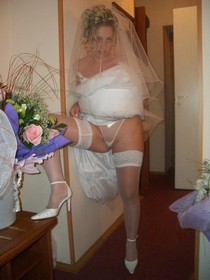 Bride after wedding ceremony - free homemade porn