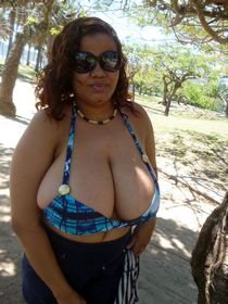 Black mature BBW in small bra