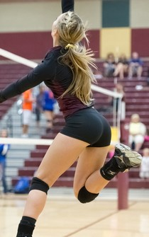 Gorgeous blonde booty in this amazing amateur pic.