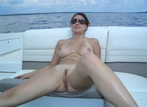 Sweet pussy on vacation - amateur porn pictures