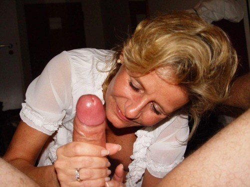 mature wife drinks cum