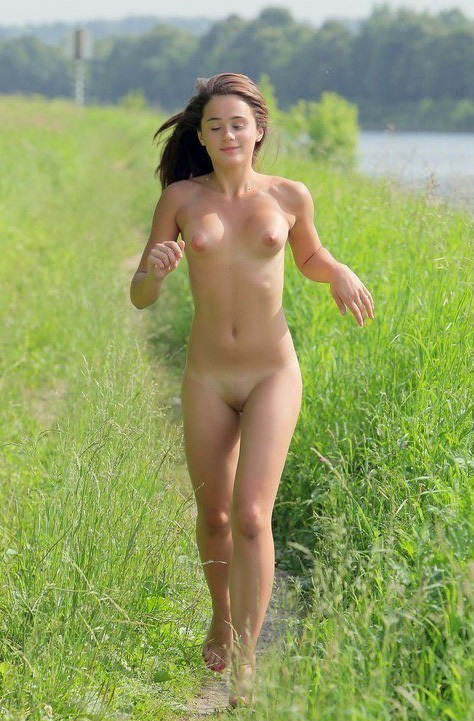 This sexy hot runner girl running agree