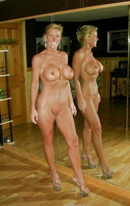 Removed (has nude mature mom self mirror shots