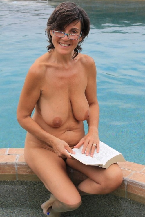 naked-amateur-mature-pretty-sperm-facials-super-hung-shemale