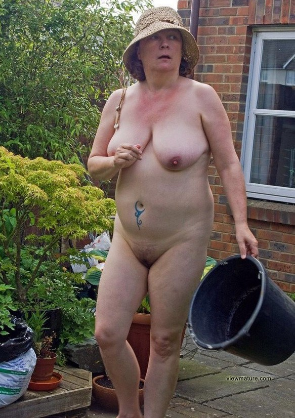 Finest Amatuer Naked Old Women Png