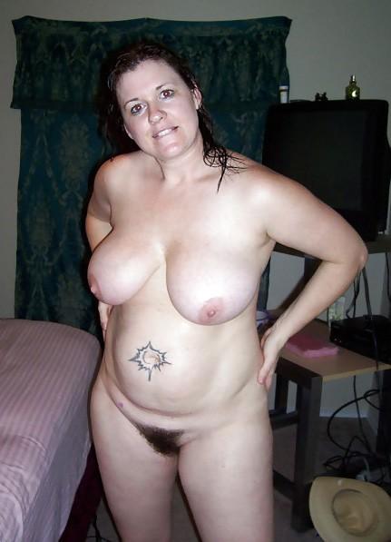 nude amature girls spreading legs